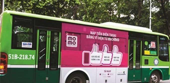 quảng cáo tràn kính xe buýt