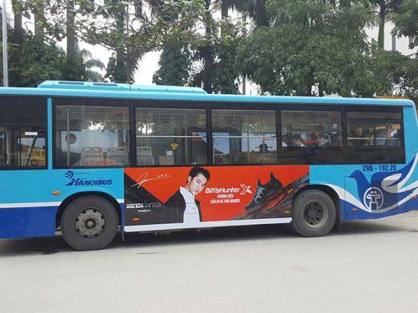 quảng cáo trên thân xe buýt