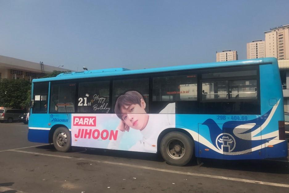 quảng cáo xe buýt Ji Hoon