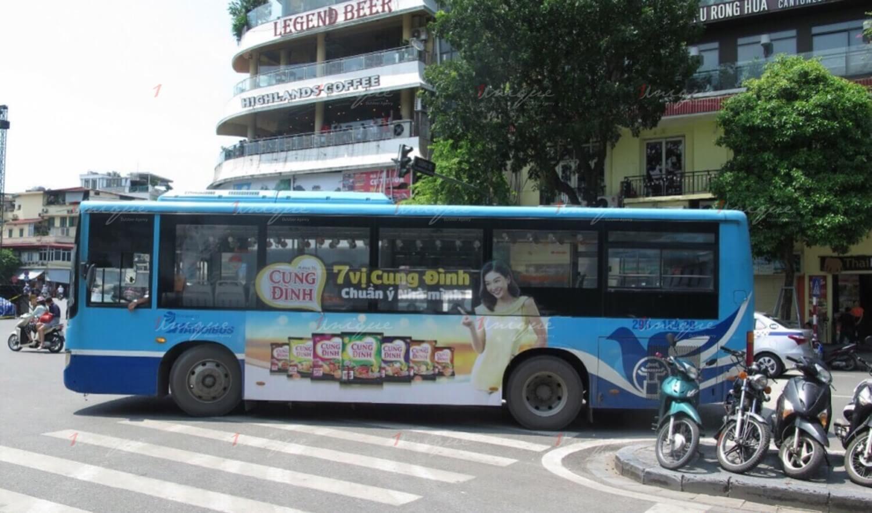 quảng cáo xe buýt mỳ cung đình maquette mới