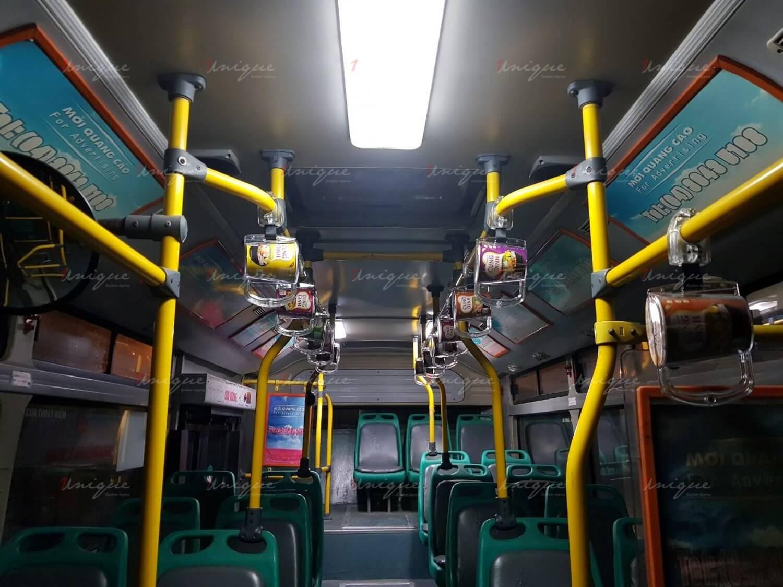 quảng cáo thực phẩm trên xe buýt