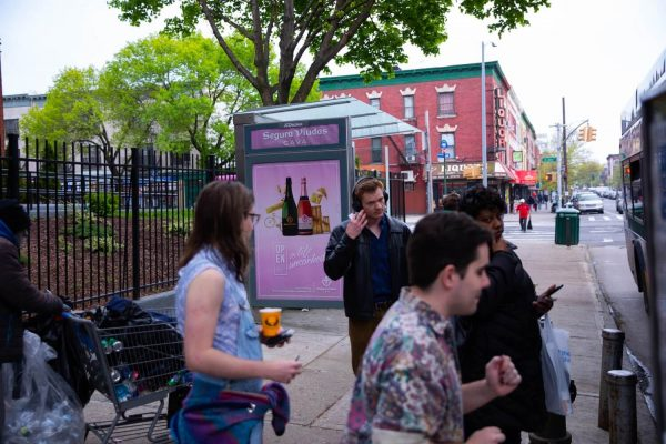 cấm quảng cáo bia rượu tại nhà chờ xe buýt