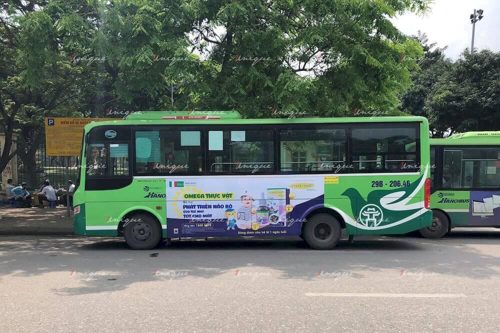 Siro Fitobimbi Omega Junior quảng cáo trên xe buýt Hà Nội