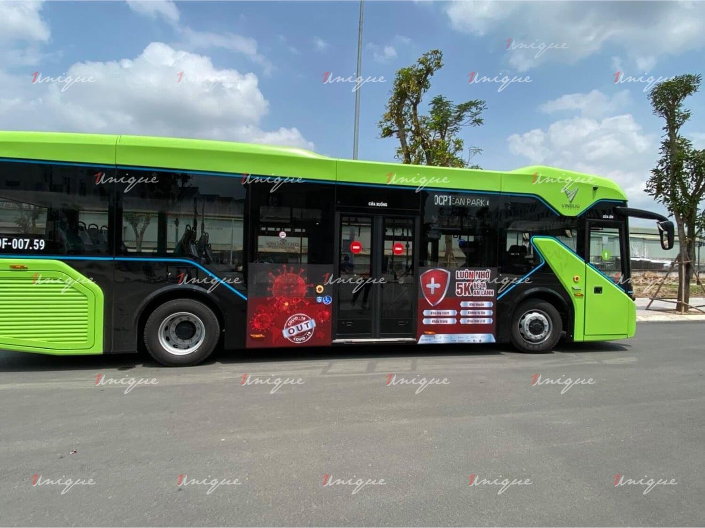 quảng cáo trên xe buýt điện Vinbus chống dịch covid-19