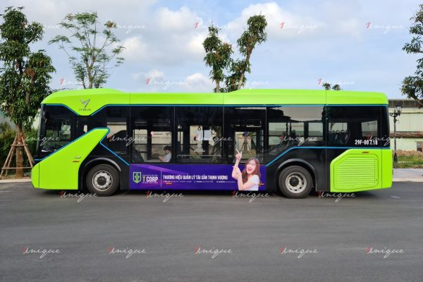 Tập đoàn Trí Việt quảng cáo trên xe buýt điện Vinbus